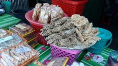 バインニー洞窟 Bayin Nyi Cave お土産屋さん ココナッツのお菓子