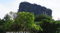 キャウッタロン・パゴダ Kyauk Ta Lone Pagoda Taung Mountain 入口 Entrance Mawlamyine モーラミャイン 写真 phot
