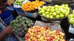 フルーツ、安い、モーラミャインのフルーツマーケットの写真