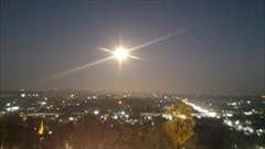 mawlamyine kyeik than lan pagoda、モーラミャイン、写真、夜景、満月