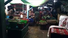mawlamyine zeigyi no.2 market マーケット、野菜、豆腐