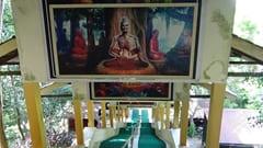 パ・アック フォレスト・メディテーションセンター 瞑想中の写真 the Pa-Auk Forest Meditation Center Meditating photo