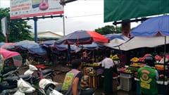 モーラミャイン、ゼイギー・アッパーマーケット 写真 果物、フルーツ、野菜、肉