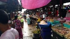 モーラミャイン、ゼイギー・アッパーマーケット 写真 mawlamyine zeigyi upper market、肉、野菜、果物