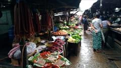 モーラミャイン、ゼイギー・アッパーマーケット 肉、野菜の写真