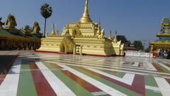 タトンにあるShwe Sar Yan Pagodaの写真 パゴダの中の写真